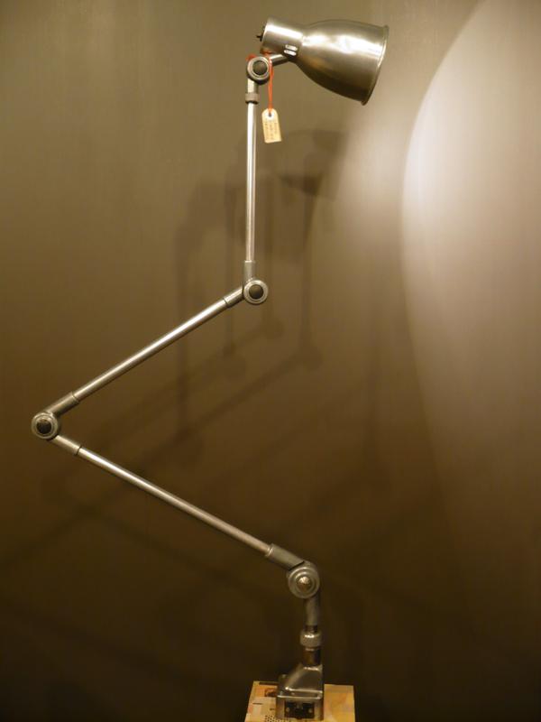 Lampe d'atelier vintage Derungs.JPG