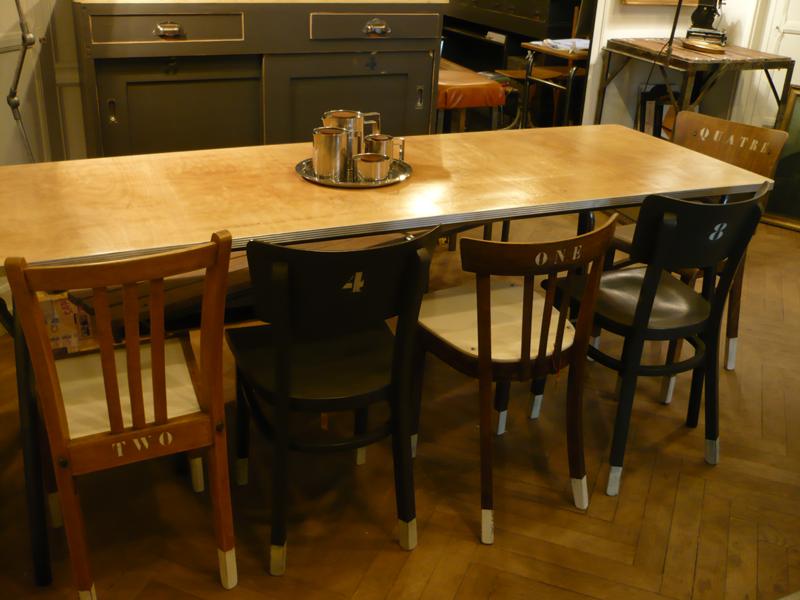 Table vintage 8 personnes
