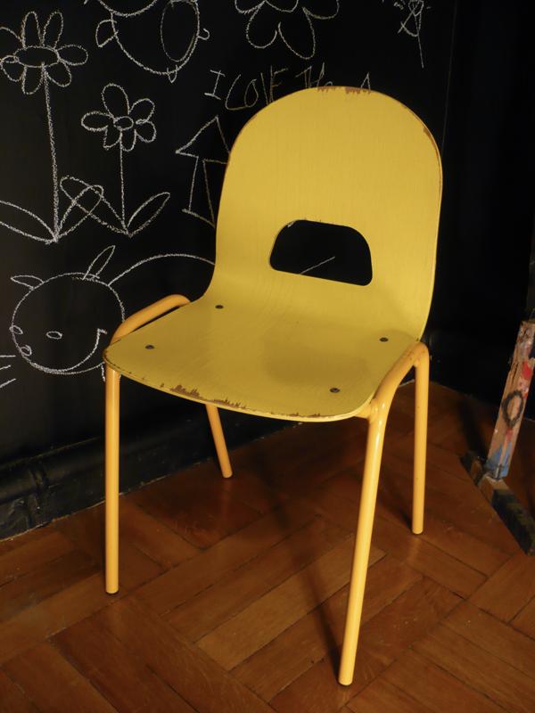 Chaise enfant vintage jaune