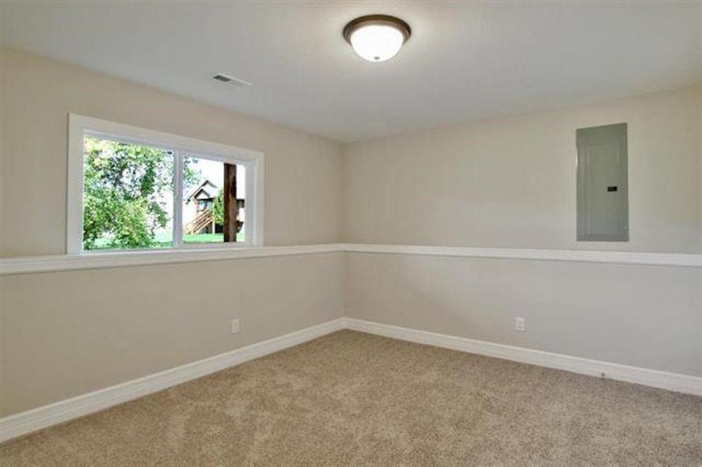 2722 W 58th Ct N basement bedroom.jpg