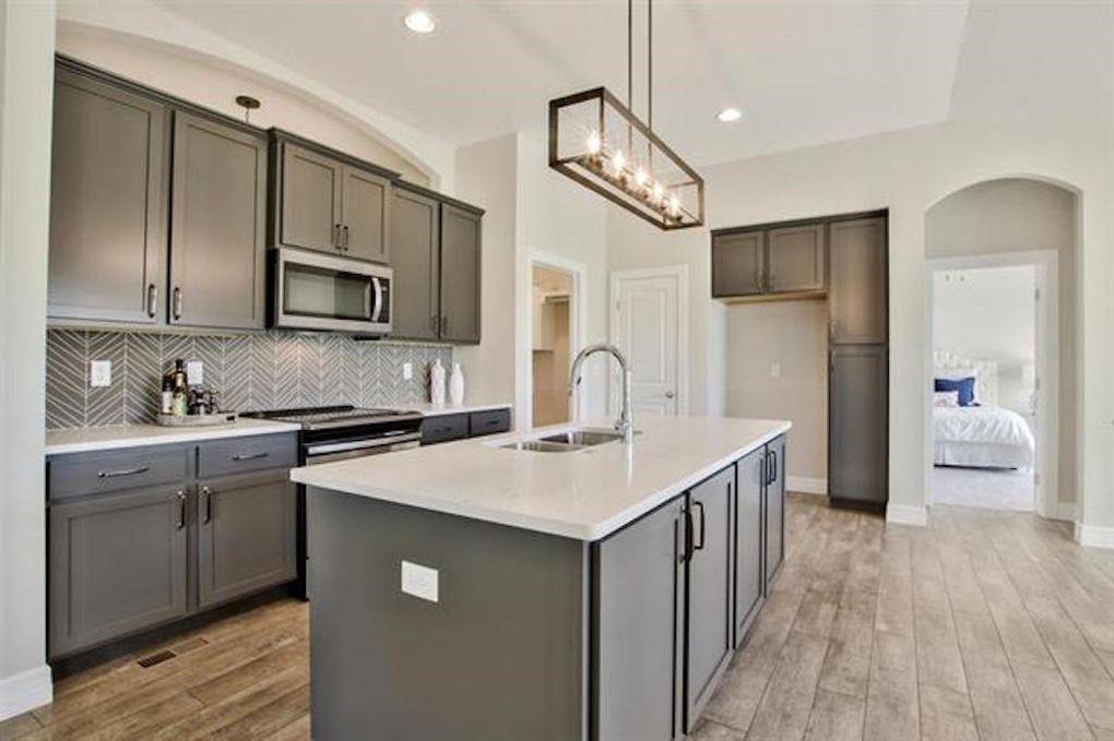 2722 W 58th Ct N kitchen.jpg