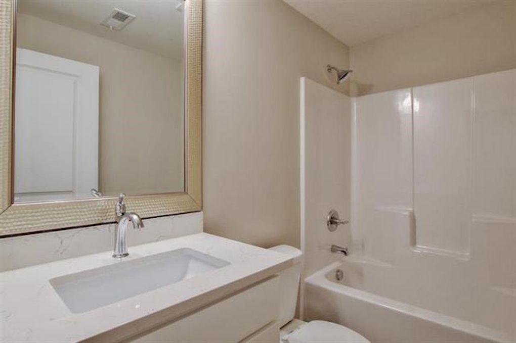 2722 W 58th Ct N basement bath.jpg
