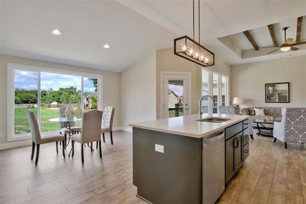 2722 W 58th Ct N kitchen2.jpg