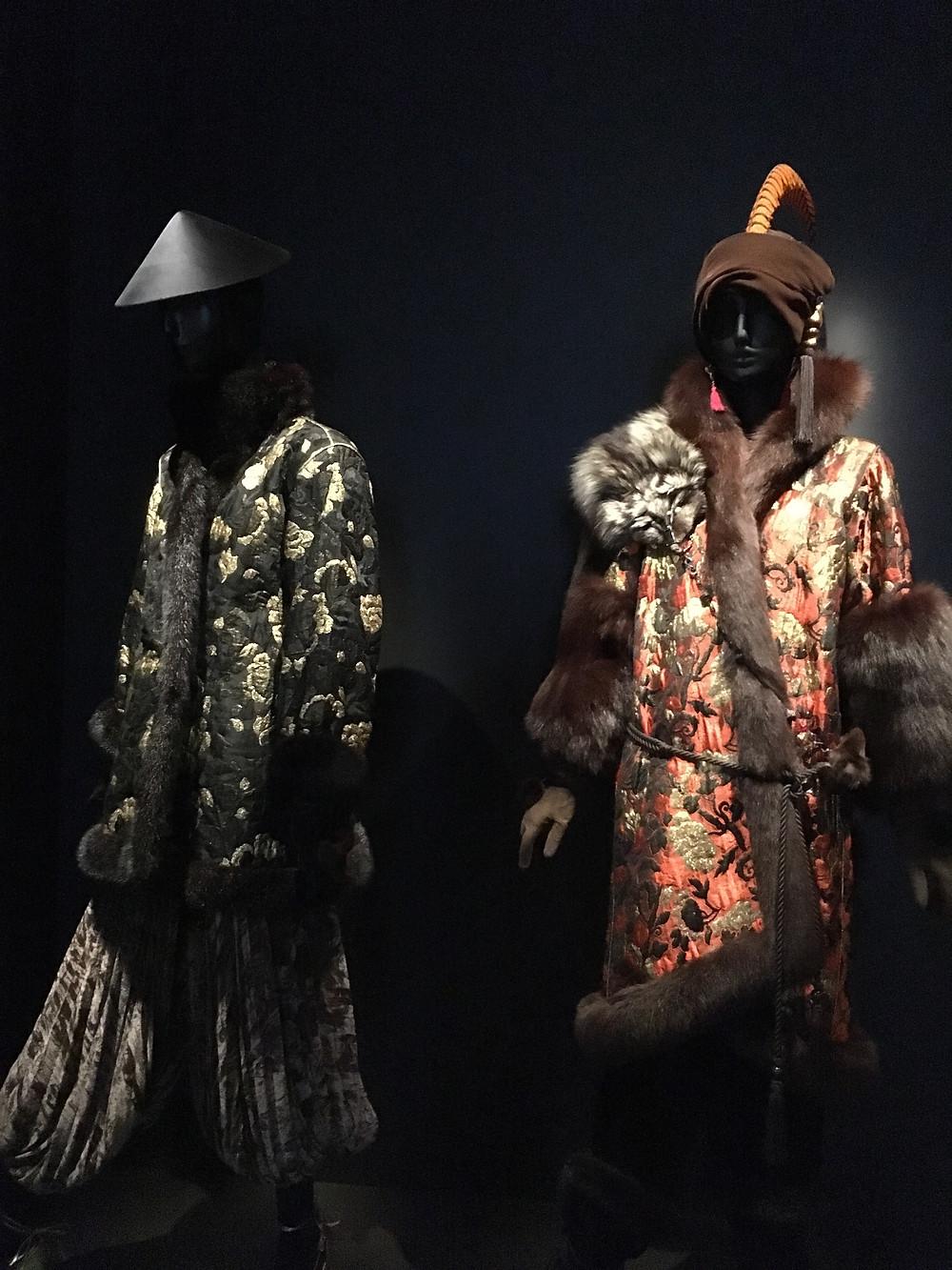 Photo de tenue d'Yves saint laurent inspiré par le Japon