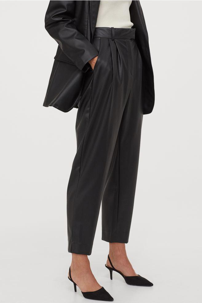 Pantalon à pince en simili cuir noir H&M