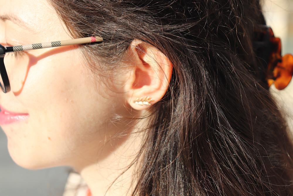 Photo de ma boucle d'oreille en forme d'épi de blé