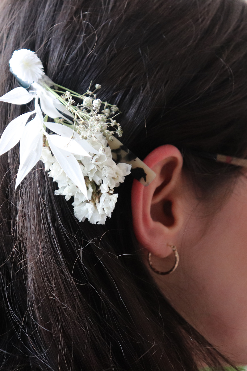 résultat de ma superbe barrette de fleur séché en partenariat avec the blond cactus