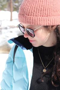 Photo de mon visage avec bonnet et lunette de soleil à Yosemite