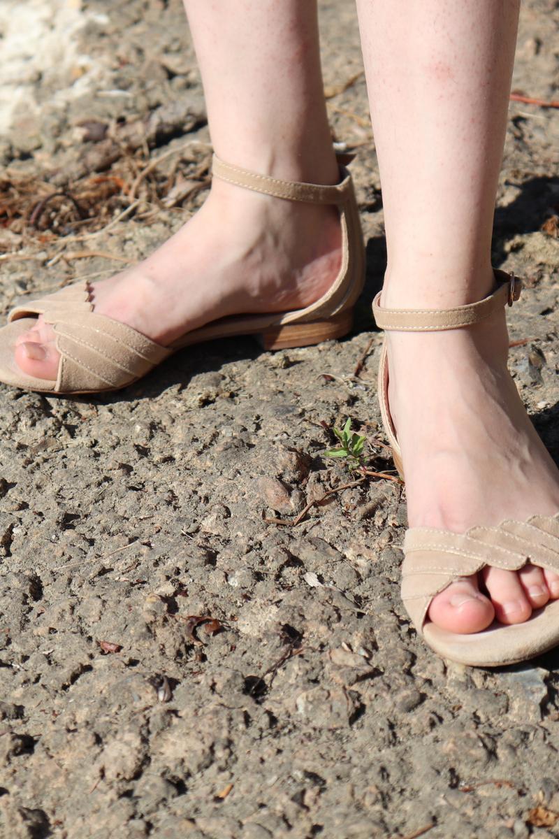 sandale nude minelli