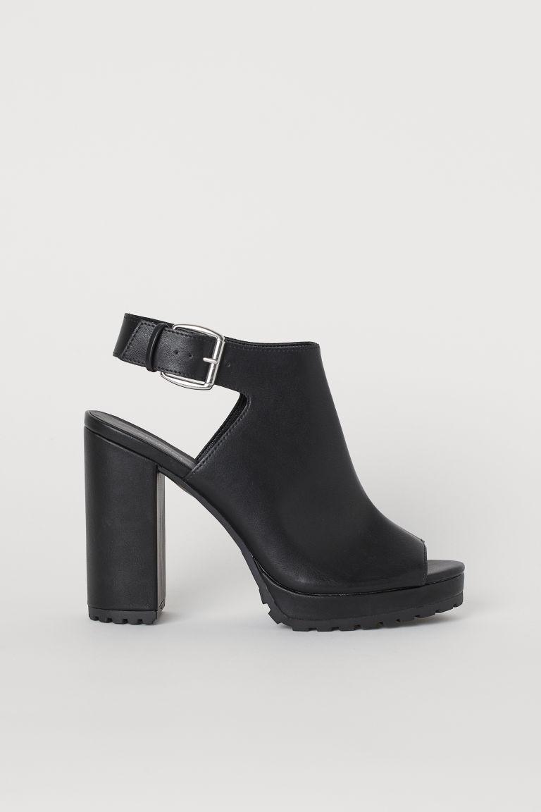 sandales à semelle épaisse