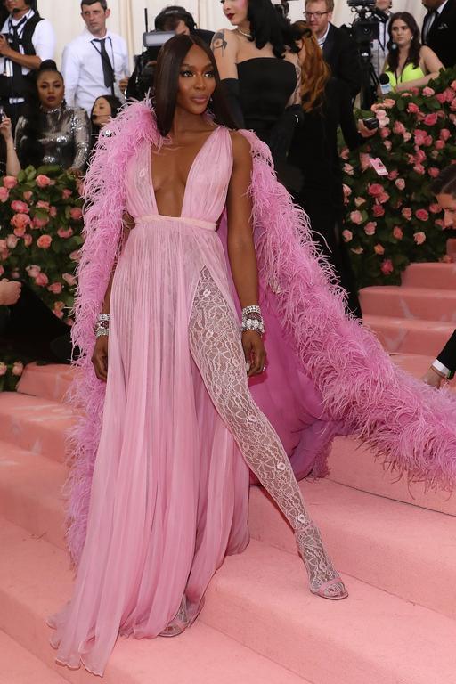 Naomi Campbell en Valentino au met gala 2019