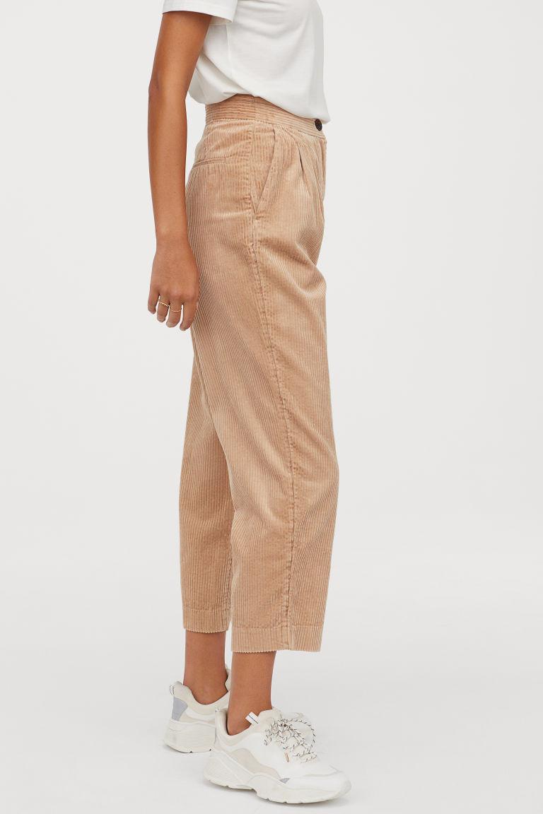 pantalon en velours côtelé beige
