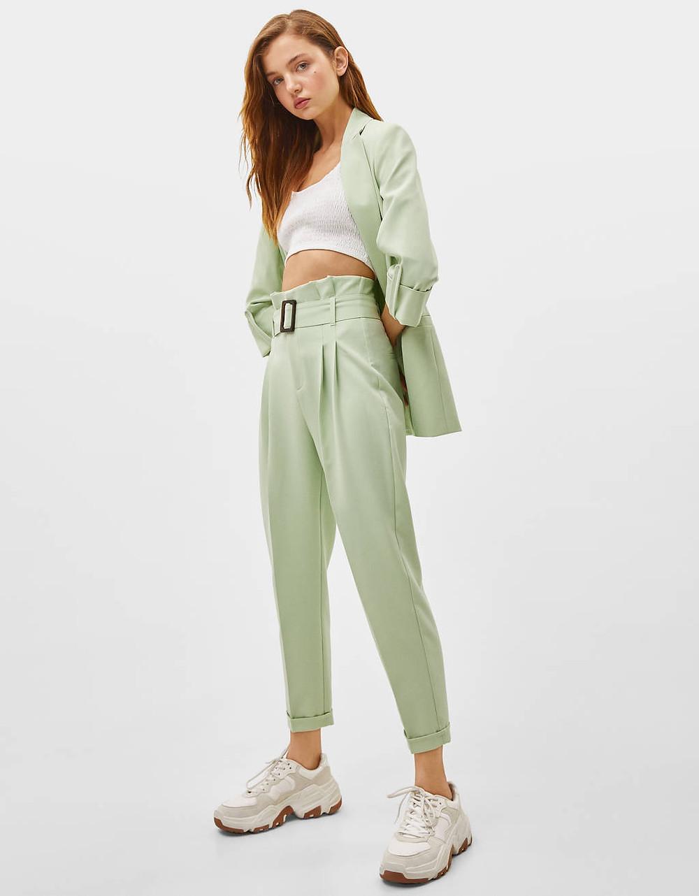pantalon taille haute vert d'eau de chez bershka