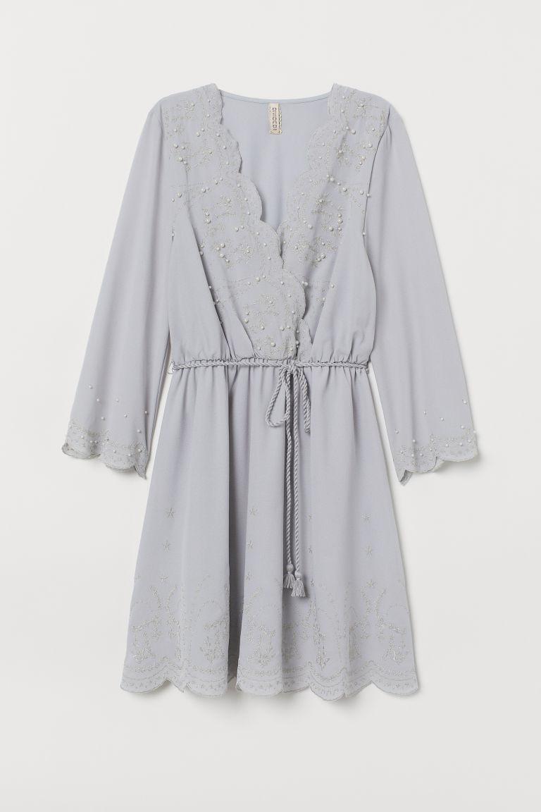Robe brodée bleu-gris clair