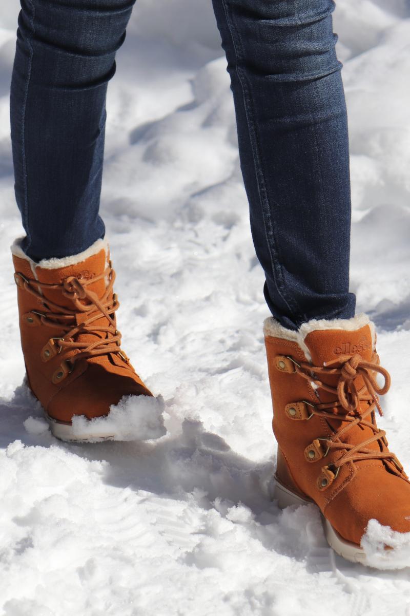 Plan des boots ellessee dans la neige à Yosemite