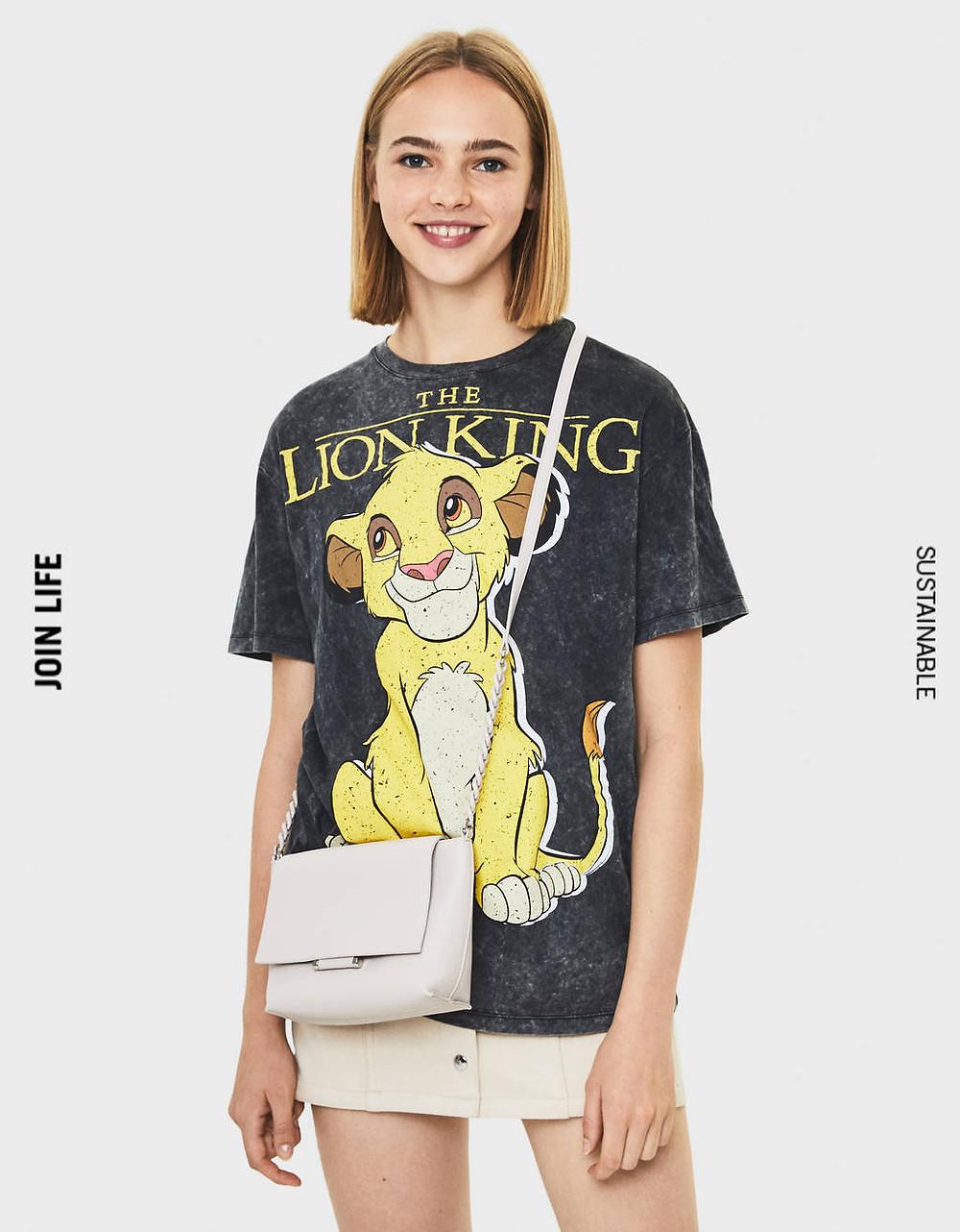 T-shirt le roi lion Bershka