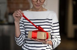 Present Surprise;gift;prepare gift