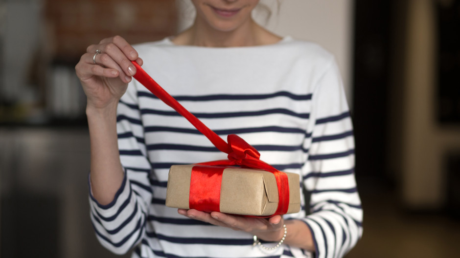 A Girlfriends Guide to Gift Giving