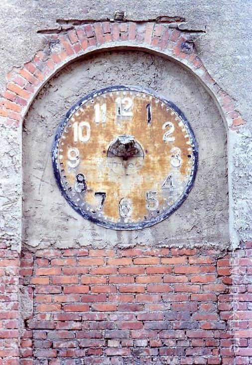 Leipzig_timeless clock - zeitlose Uhr