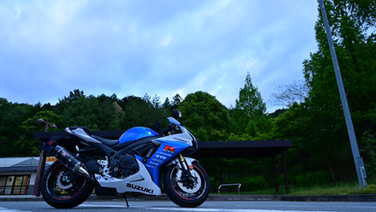 Shiro/GSX-R750
