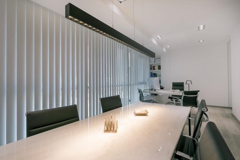 LEO LAW OFFICE-1.jpg