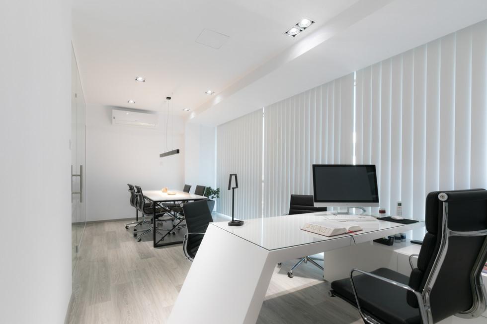 LEO LAW OFFICE-4.jpg