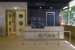 nieuwe uitgifte balie bestaande aula