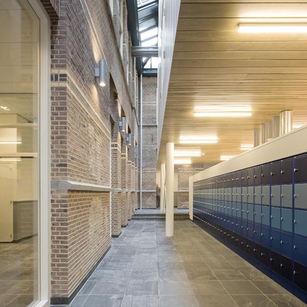 nieuwe verkeers- / lockerruimte