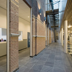 nieuwe verkeersruimte naast aula