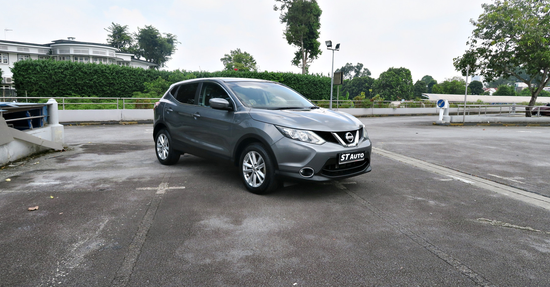 Nissan Qashqai 1.2T Grey