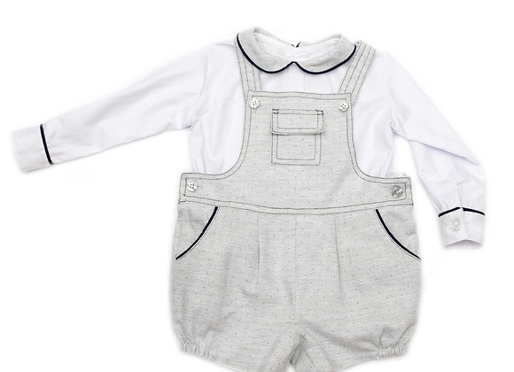 Bombacho gris de puntos con camisa manga larga blanca