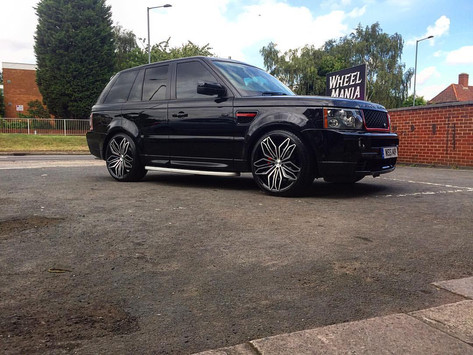 Range Rover Fitted With Rivieria RV180