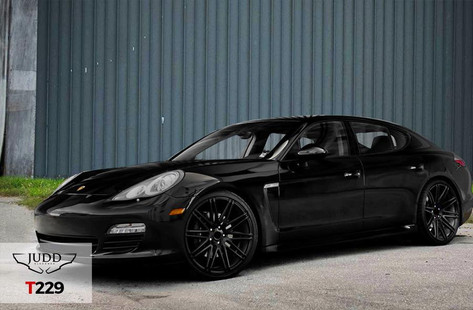 """Porsche Panamera Fitted With 20"""" Judd T229"""