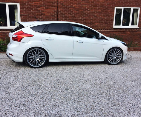 Ford focus Fitted With Hub v20
