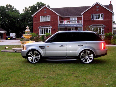 "RANGE ROVER Fitted With 22"" VOGUE"