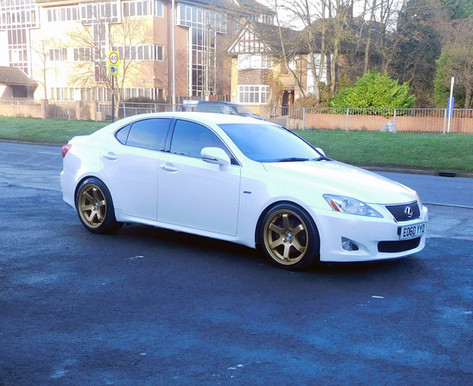 Lexus 220 Fitted With Bola B1
