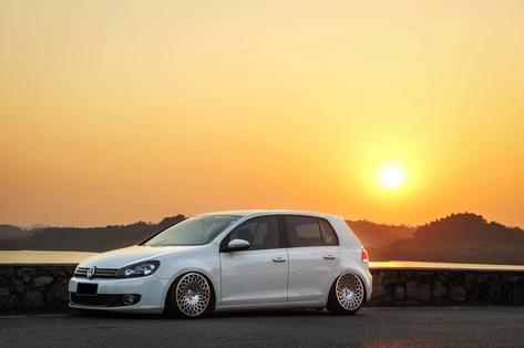 "VW Golf Fitted With 18"" STX"