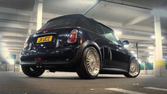 "Mini Cooper S fitted with 17"" Calibre Vintage"