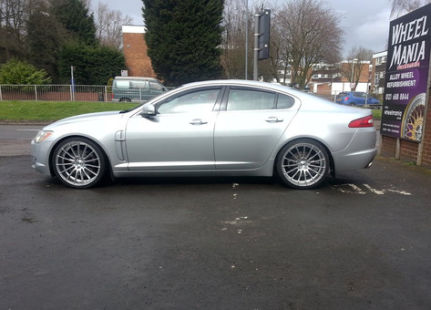 JAGUAR XF Fitted With 9X20 ZITO ZS15