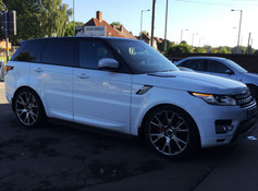 """Range Rover Fitted With 22"""" Team Dynamics Balmoral"""