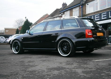 """Audi RS4 Fitted With 20"""" Radisson"""