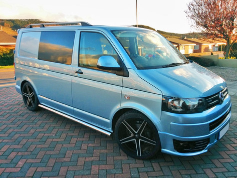 VW Transporter T5 Fitted With Entourage