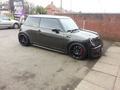 MINI Fitted With XXR 527