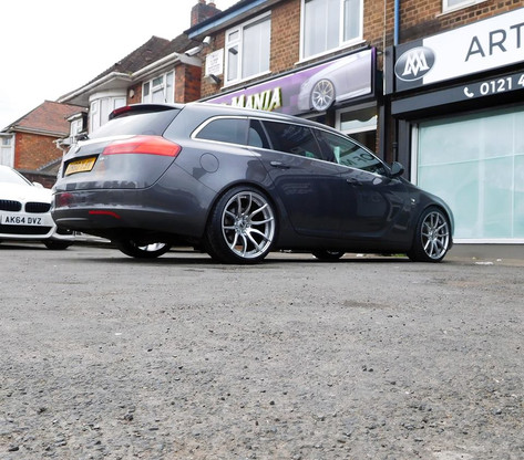 "Vauxhall Insignia Fitted With 20"" Mania Mayfair"