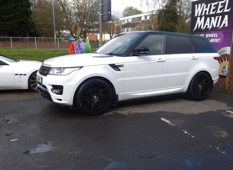 Range Rover Sport fitted with Riviera RV 120