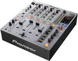 Table de mixage DJM750