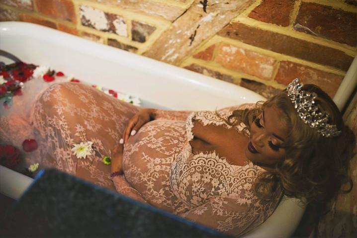 Maternity Shoot Glam