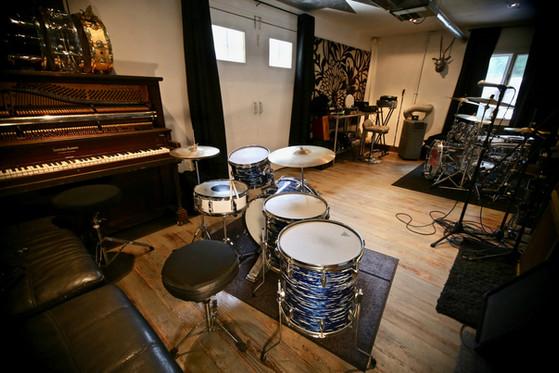 Vroom Studios Yamaha Drum Kit