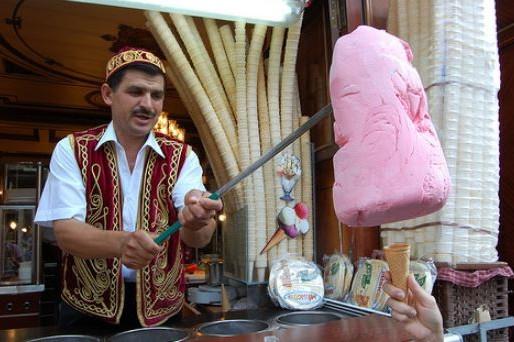 Este inghetata turceasca buclucasa?