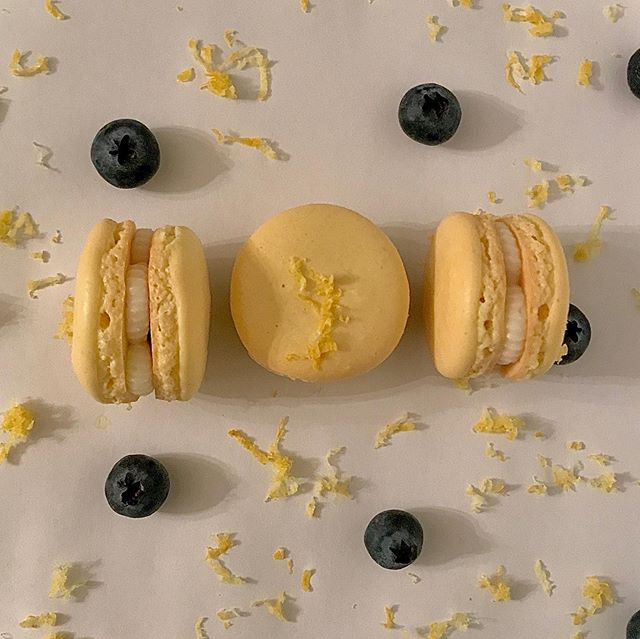 Lemon + blueberry macarons! Happy Spring